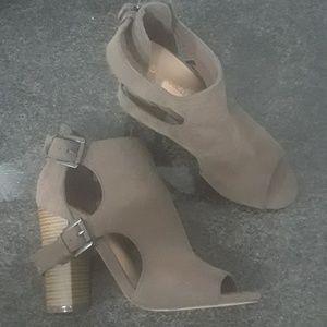 Shoedazzle Heeled Booties